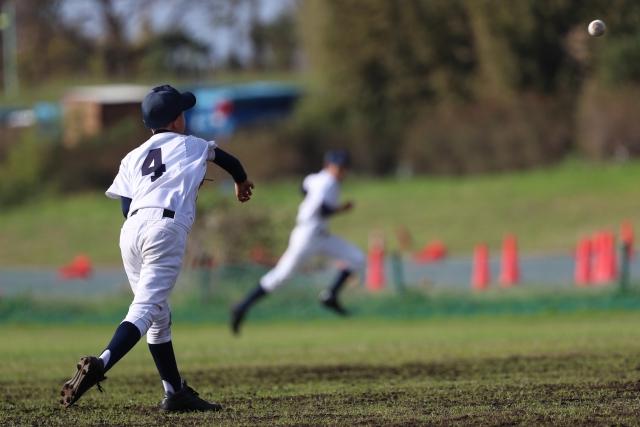 野球の練習をアレンジする~キャッチボールで試合同様の送球練習~